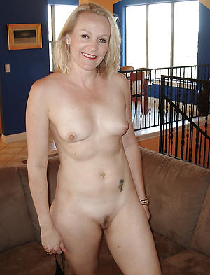 Nude grown-up small tit pics