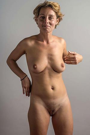 Amateur mature 40 nude pics