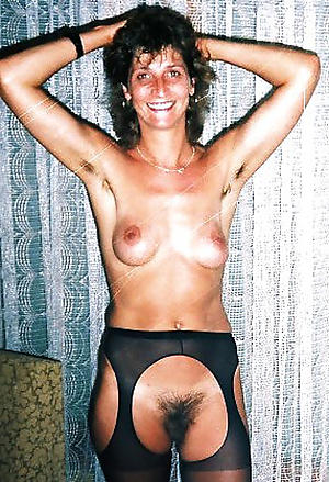 Inviting mature unshaved nude pictures