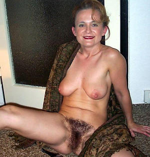 Slutty nude unshaved full-grown pussy pics