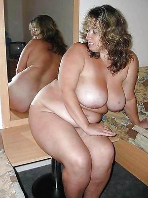 Undisguised plump mature pussy photos