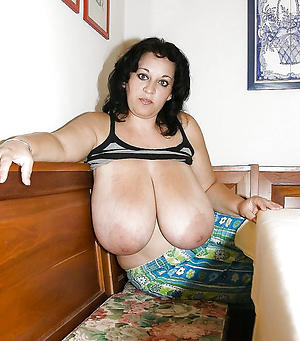 Sexy natural chubby tits mature