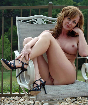 Pretty mature women in high heels naked pics