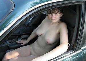 Slutty mature in motor naked photo