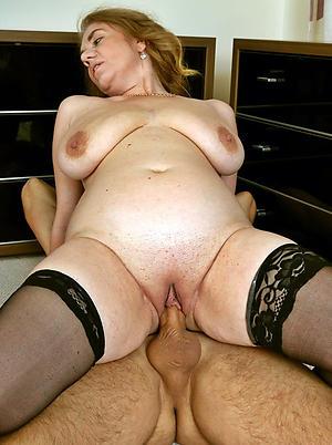 Naked fucking mature pussy pics