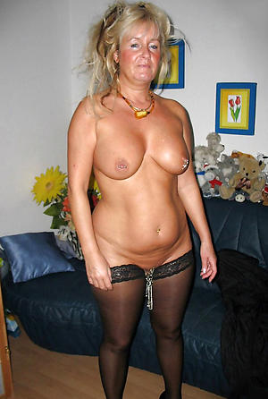 Amateur pics be fitting of matured cougar pussy
