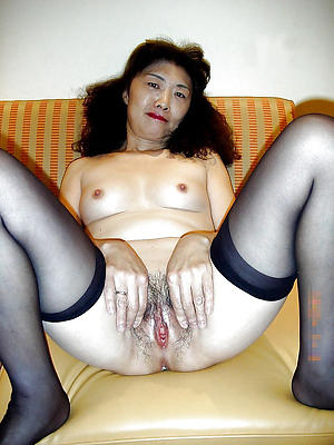 Naughty asian mature women nude photo