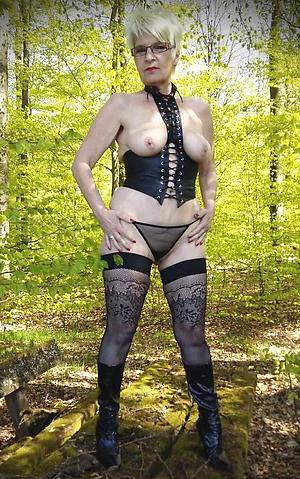 Xxx matured ladies sex photos