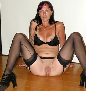 Amateur pics of mature shaved pussy