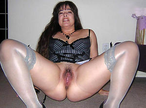 Naughty grown up shaved pussy porn pictures