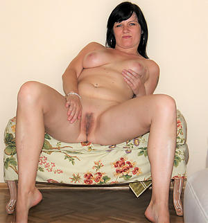 Unveil mature shaved pussy pictures