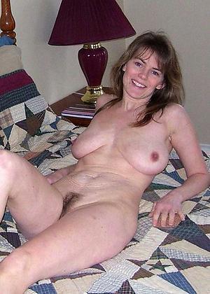 Free mature solo porn pics