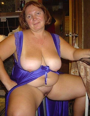Amateur pics of full-grown wife homemade