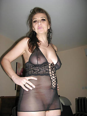 Naughty mature solo pussy pics