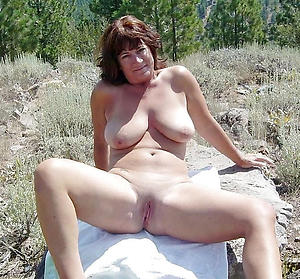 Slutty mature natural pussy
