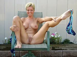 Hottest mature feet gallery