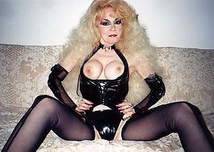Amateur pics of older women matures