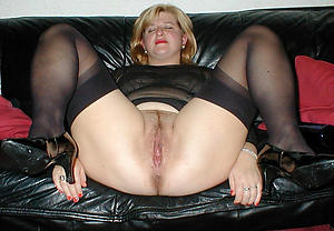 Wet pussy mature milf over 40 naked pics