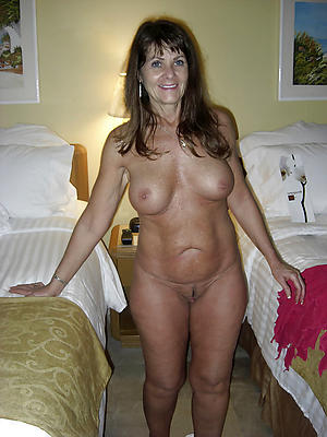 Slutty mature hotties nude
