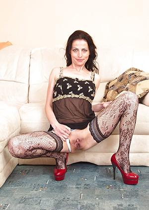 Mature milf in heels mobile porn