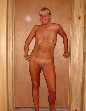 Nude saggy mature women pictures