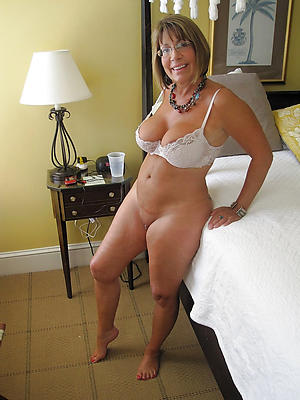 Amateur pics of milf mature with glasses