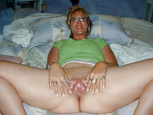 Naked milf mature with glasses