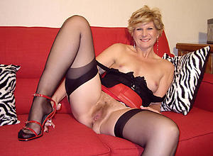 Amazing mature cougar women porn pictures