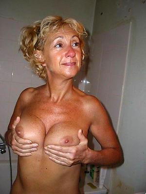 Favorite mature cougar women nude photos
