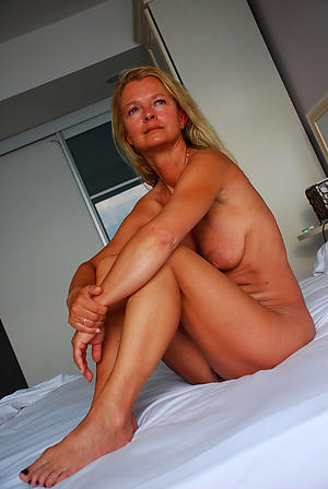 Amateur classic mature porn pics