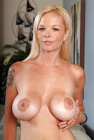 Sexy hot mature babes free porno