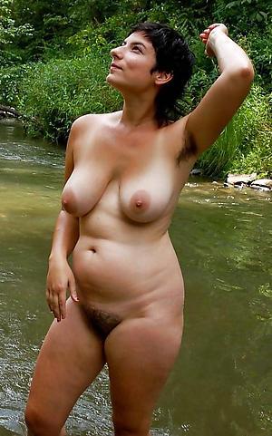 Amateur mature nude seaside porn pics