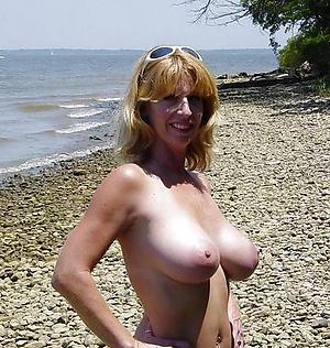 Xxx mature at the beach porn pics