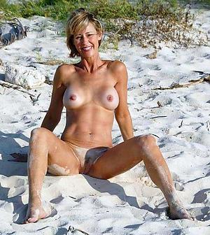 Naked mature at the beach porn pics