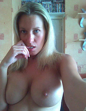 Hot porn of mature selfshots