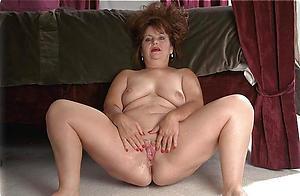 Slutty mature chubby women porn pics