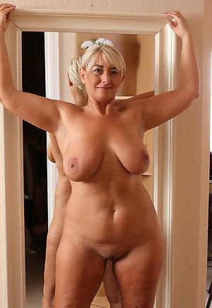 Naughty chubby naked moms pics
