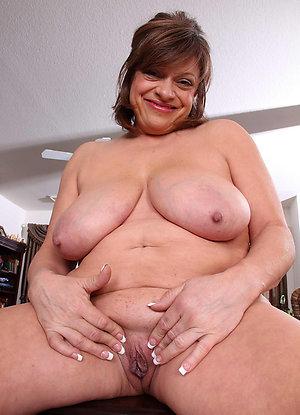 Gorgeous chubby hairy women sex pics