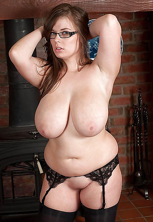 Hot chubby mature wife porn pics