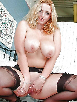 Cute naked chubby women