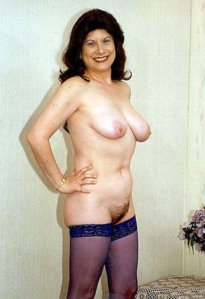 Cute brunette women nude