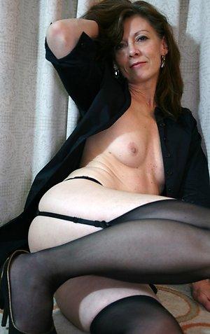 Sexy mature brunette women amateur pics