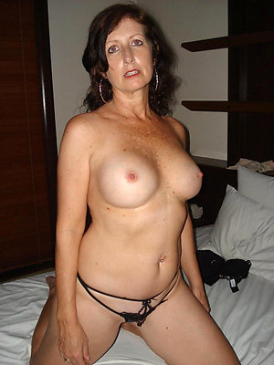 Sexy mature naked brunettes