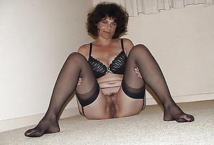 Xxx sexy mature feet photo
