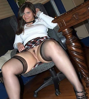 Mature Upskirt Pictures