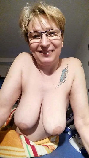 Horny mature tattoo porn pics