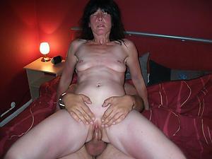 Amateur pics of mature woman having coition