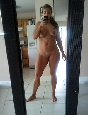 Amateur pics of hot matured selfie