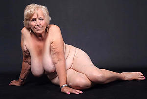 Amateur pics of older mature woman