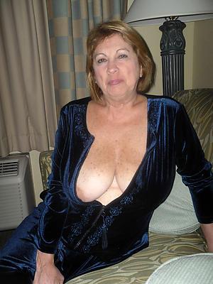 Amateur erotic essential mature women porn pics